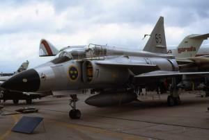Saab_SK_37_Viggen_65